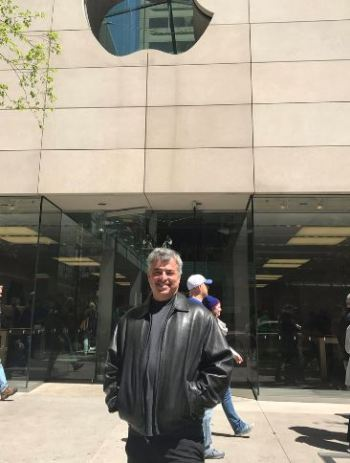 Eddy visits one of his friends at Apple Store in North Michigan