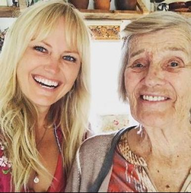 Malin Akerman with her 92 years old grandmother