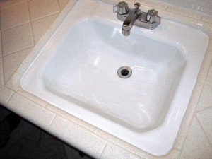 Repaired_refinished_porcelain_sink-300x225