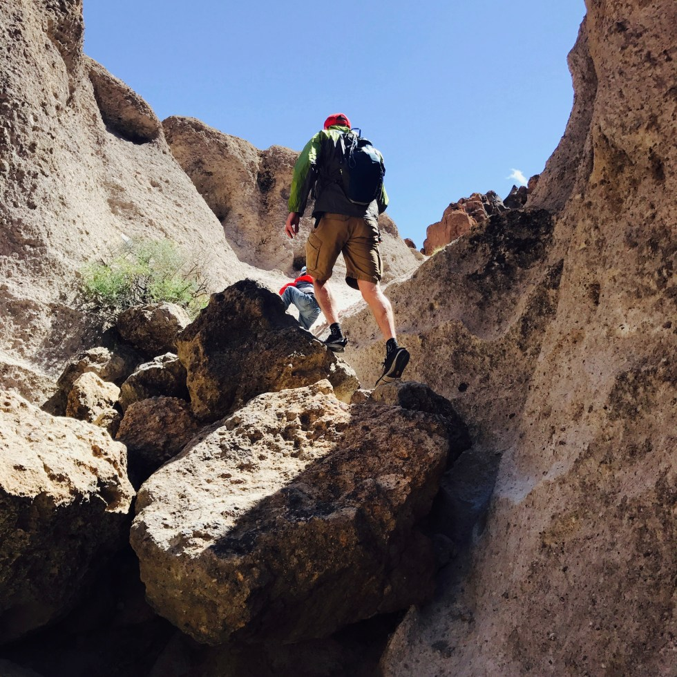 Climbing the Rings trail, Hole In The Wall, Mojave National Preserve