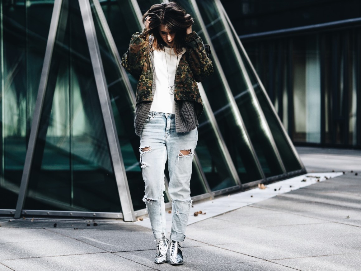 allthatchoices by laura fashionblog blog mainz camouflage soniush destroyed momjeans layering look balayage lob