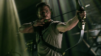 Best pilot (M): Arrow. I hear Arrow fans think: you choose Arrow as your favorite pilot and you show Stephen Amell with a bow and his shirt on?! For people who don't know the show: The CW likes to show Oliver Queen's well trained upperbody as much as possible and I'm surprised his sixpack hasn't got it's own spot on the credits yet. On a serious note: Arrow is a great show. You can think of Oliver Queen as a male Emily Thorne (Revenge) fighting crime in Starling City as a modern day Robin Hood. The show is based on a comic book, which means that there are a lot of comic book references and even more comic book characters popping up on our screen. Also a small shout-out to Katie Cassidy who plays Dinah 'Laurel' Lance on the show. I think she finally found the perfect part to play!