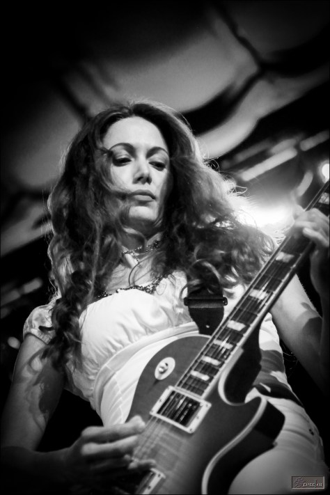 Interview: What Makes Gretchen Menn A Fantastic Guitarist