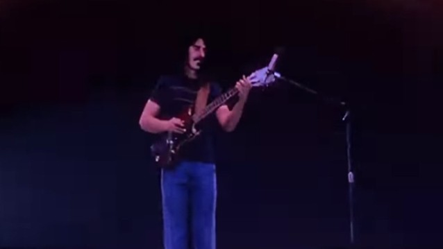 Watch Frank Zappa Hologram Play Guitar During 'Bizarre World' Tour Rehearsals
