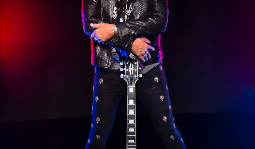 """Hear Ace Frehley's Cover Of The Beatles """"I'm Down"""" Featuring John 5"""