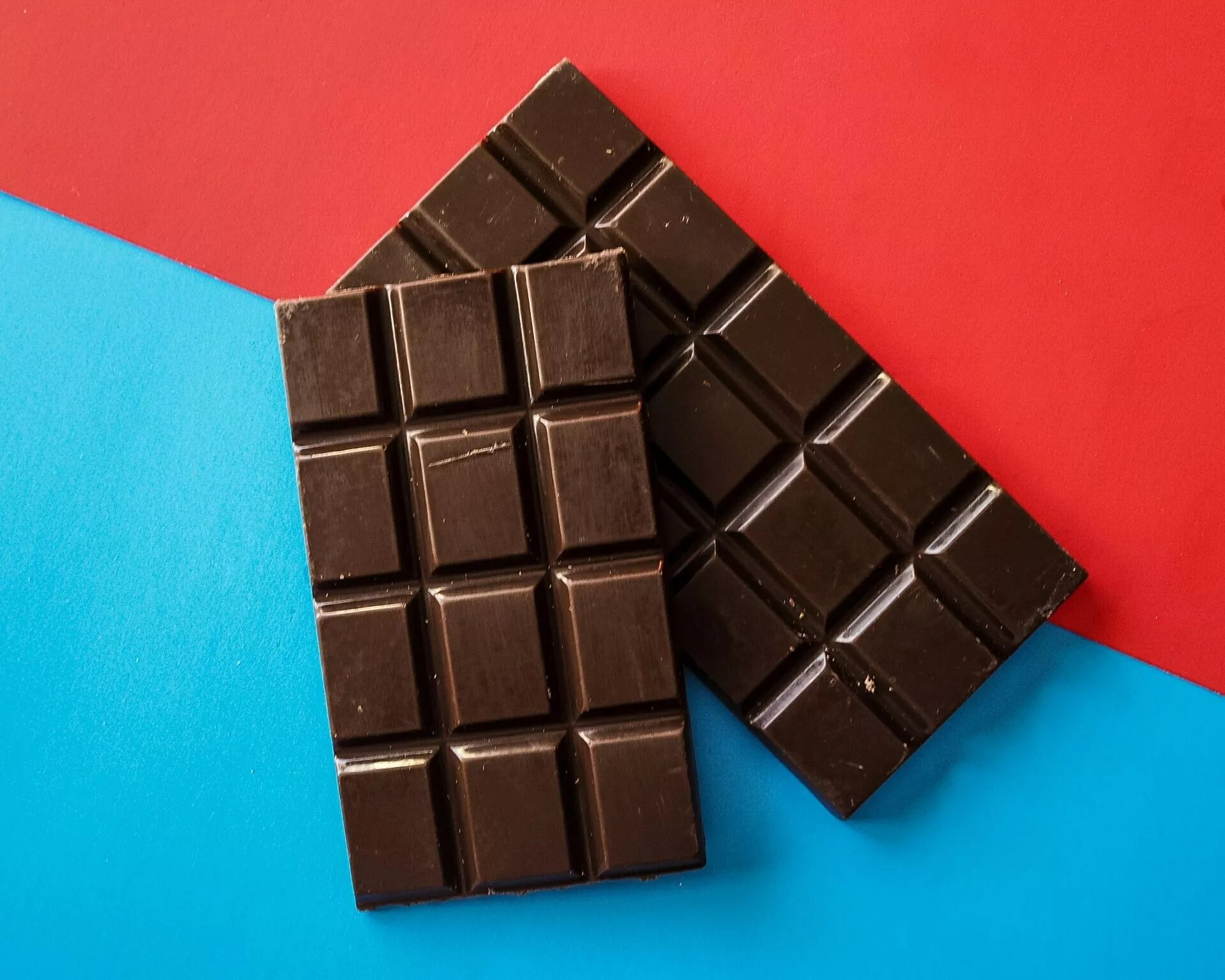 write-about-chocolate-benefits-in-losin-weight-Mens-Health