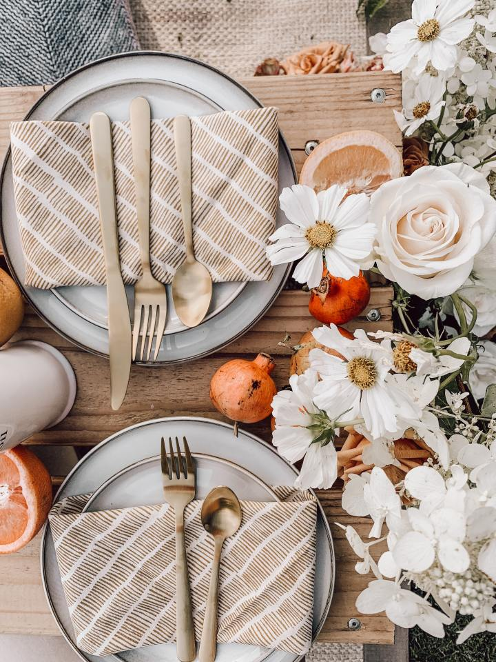 Tablescape and wedding decor by All the Best Moments, a wedding and event planner in New York