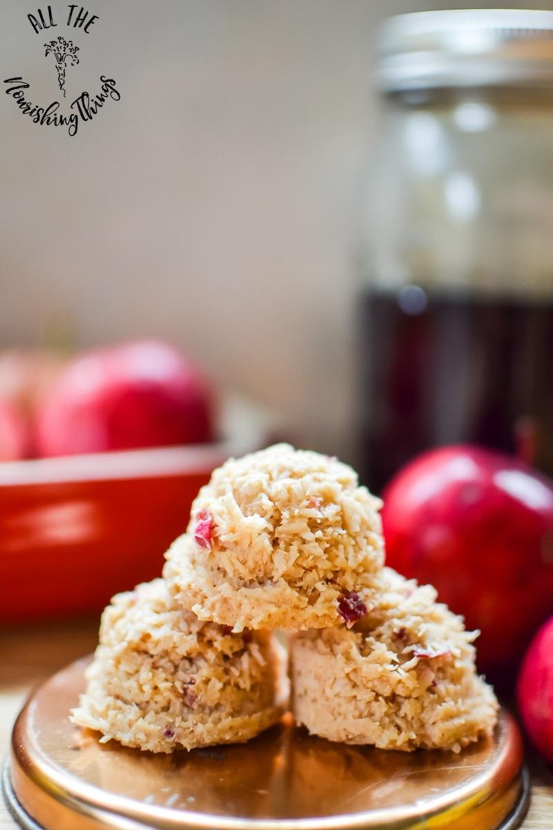 paleo maple apple cinnamon no-bake treats