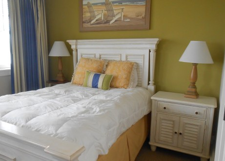 Guest bedroom at WaterHouse Residences.