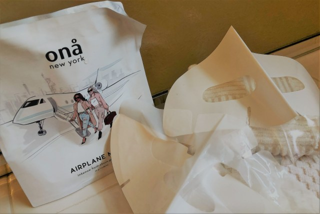 Wrapper for the Ona Airplane Mode gel mask and the two pieces (upper and lower) that create the mask
