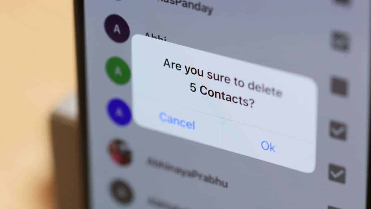 Delete Contacts iPhone