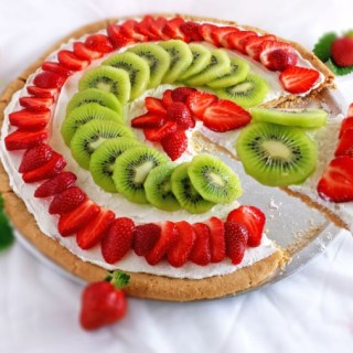 Strawberry Kiwi Pizza