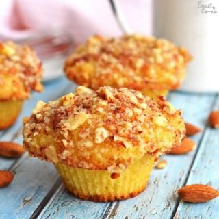 Cream Muffins with Almond Crust