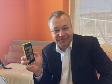Elop-with-Lumia-920-380x285.jpeg