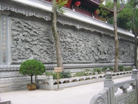 buddhist temple carvings