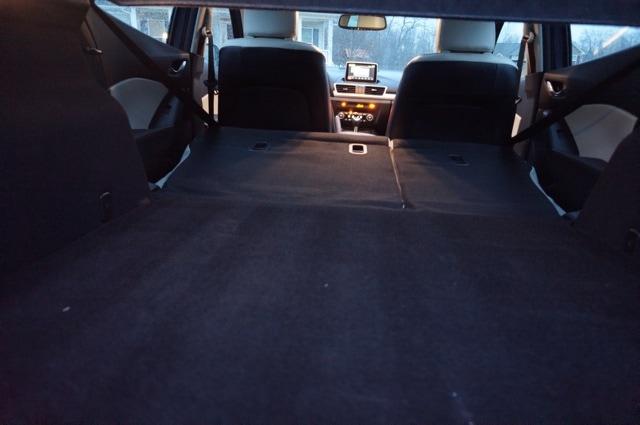 Cargo space Mazda3