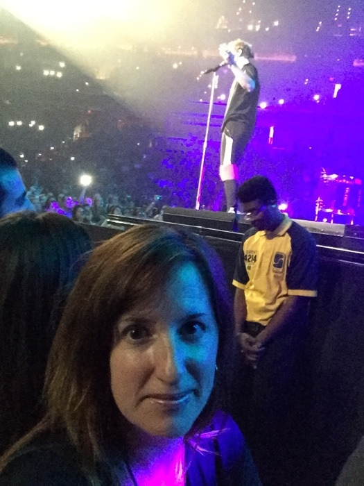 Fadra in the front row - Imagine Dragons