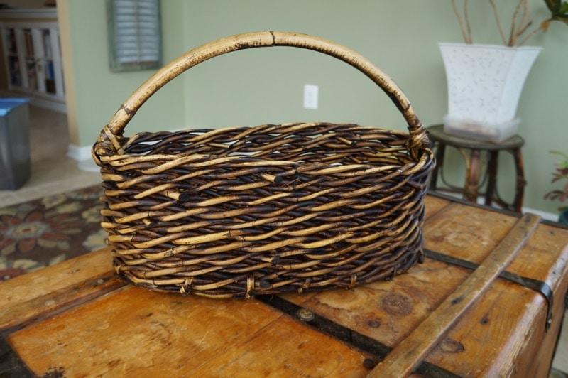 Elegant basket for Easter
