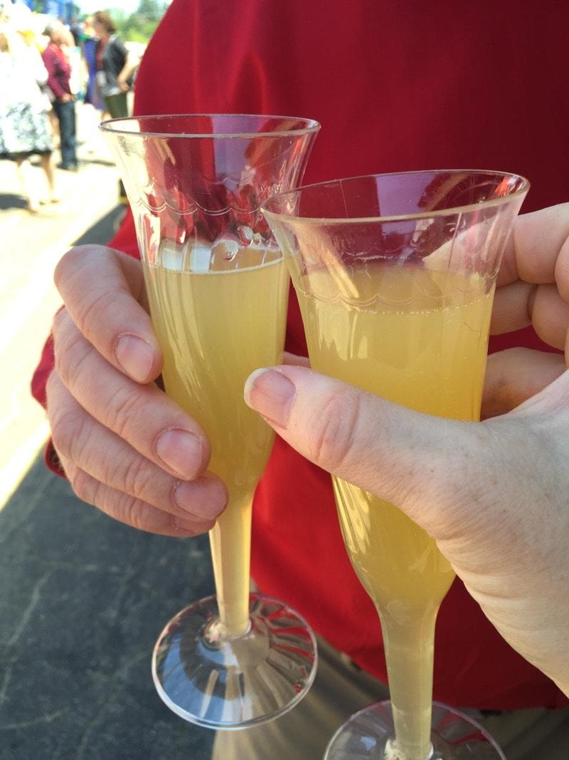Flute Club mimosas