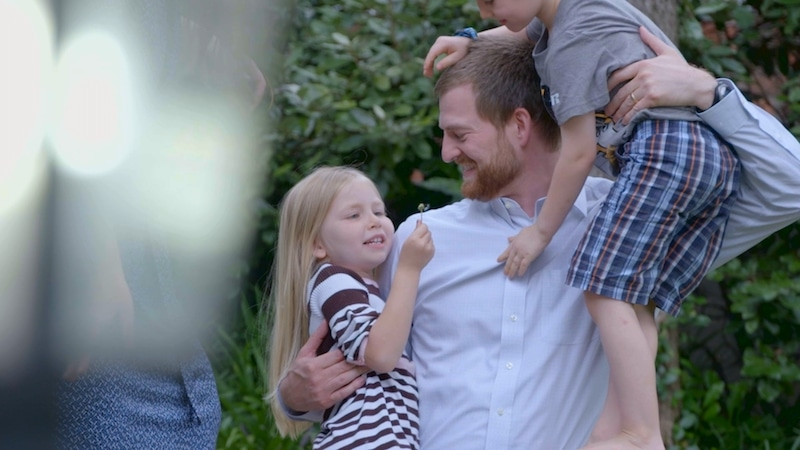 Dr. Kent Brantly with kids