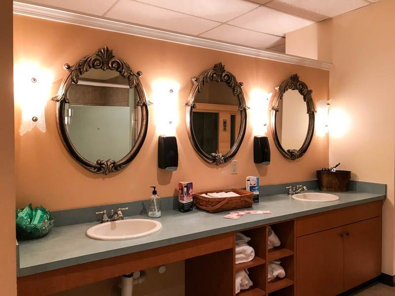 Locker room - Darrell Barrett Salon and Spa