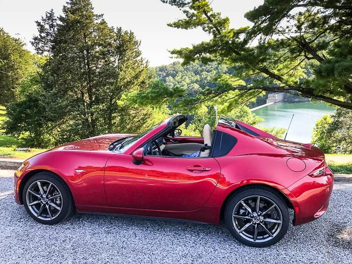 2017 Mazda MX-5 RF is not the same old Miata