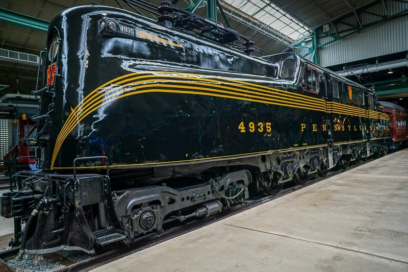 Diesel electric locomotive