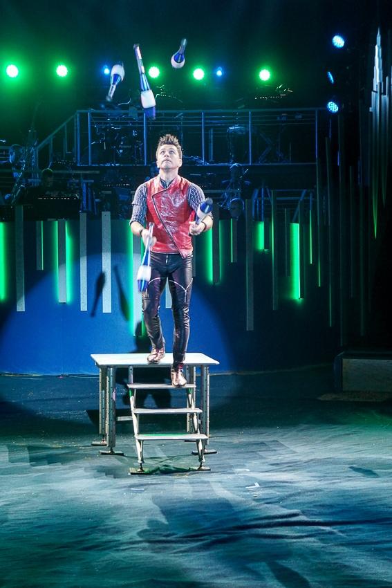 Juggling act at Big Apple Circus
