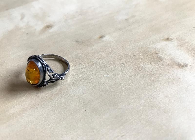 Balinese amber ring