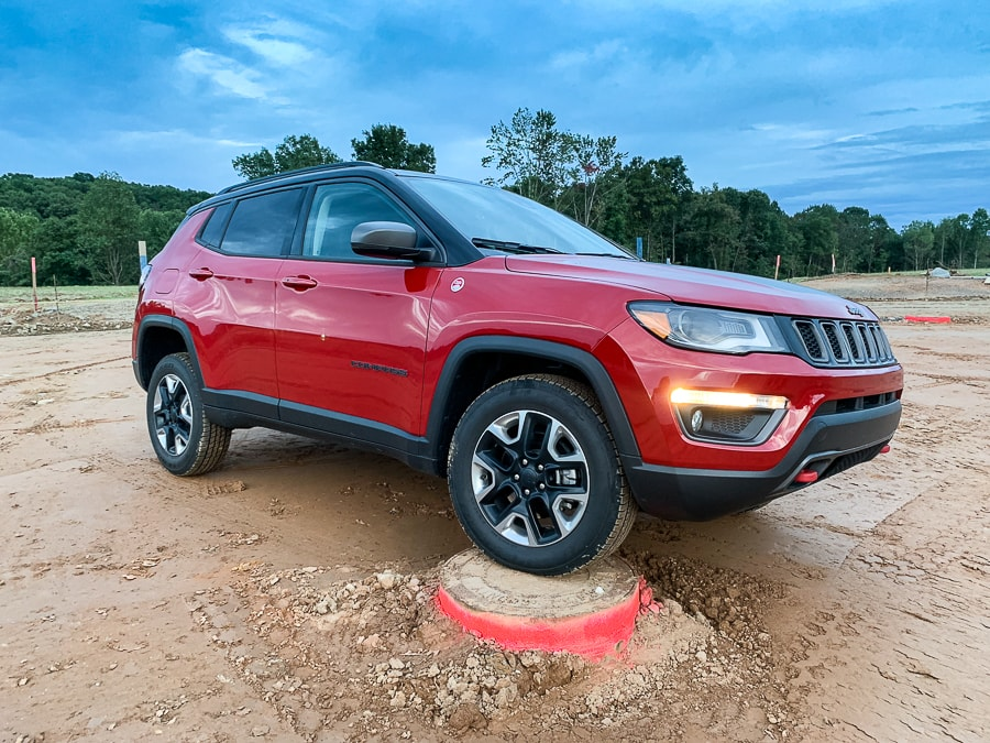 Suburban Offroading in the 2018 Jeep Compass Trailhawk