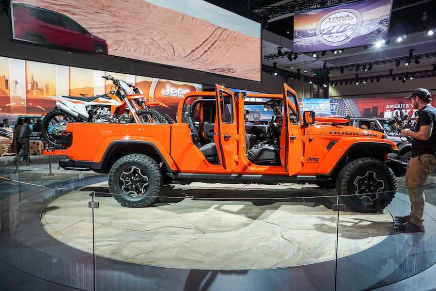 LA Auto Show-Jeep Gladiator 2