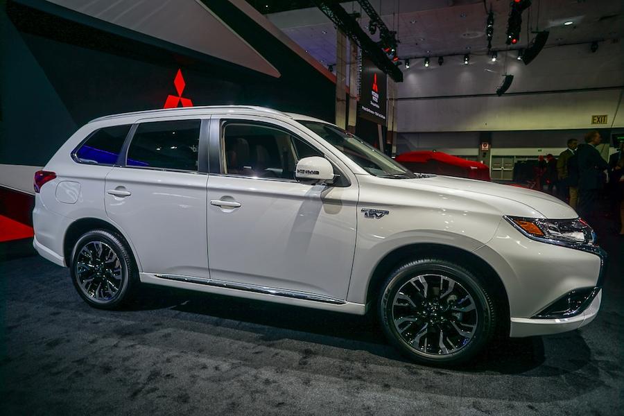 LA Auto Show-Mitsubishi Outlander PHEV