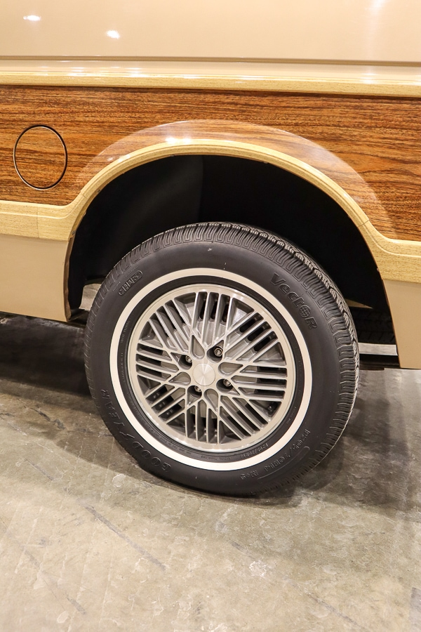 1984 Plymouth Voyager rims
