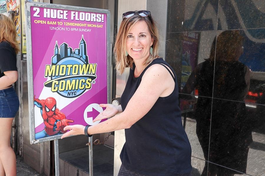 Fadra at Midtown Comics