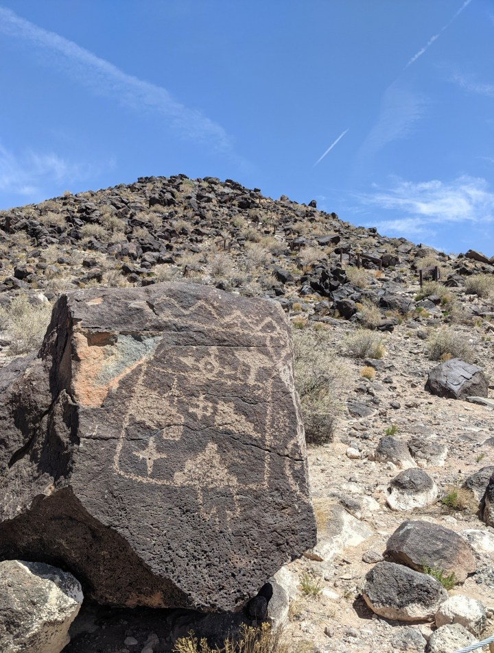 A picture of a petroglyph at the Petroglyph National Monument on the Mesa Point Trail.