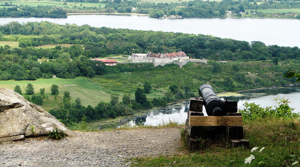 A view of Fort Ticonderoga from Mount Defiance. (Flickr | Slabcity Gang)
