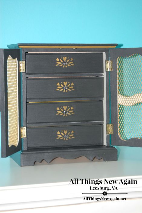 grandma jewelry box makeover_inside