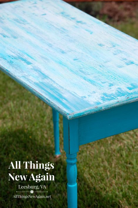 RMP aqua table w folding legs_closeup