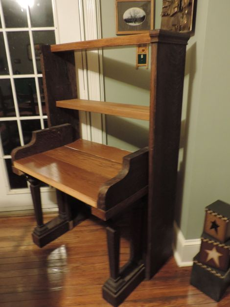 Lucy piano desk1