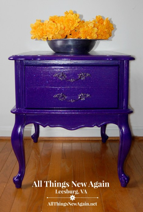 Pretty Painted Nightstands | Unicorn Spit sparkle glaze | Dixie Belle Paint Co. | Furniture Makeover | Painted Furniture | Bedroom Furniture Ideas | French Provincial