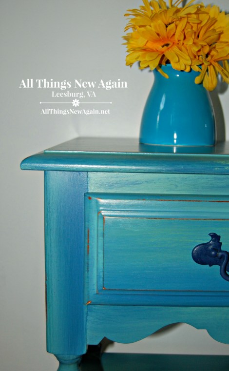 Pretty Painted Nightstands | Dixie Belle Paint | Blended Paint Technique | Bedroom Furniture Ideas | Painted Furniture