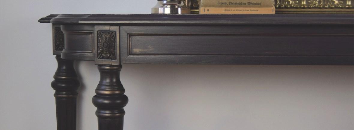 The Gilded Plum Table | Dixie Belle Paint | Aubergine | All Things New Again | Leesburg VA | Dixie Belle Retailer