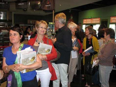 Book signing queue at il Mercato