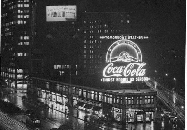Кока-Кола творческой рекламы, способствовало видение общественности Санта-Клауса.