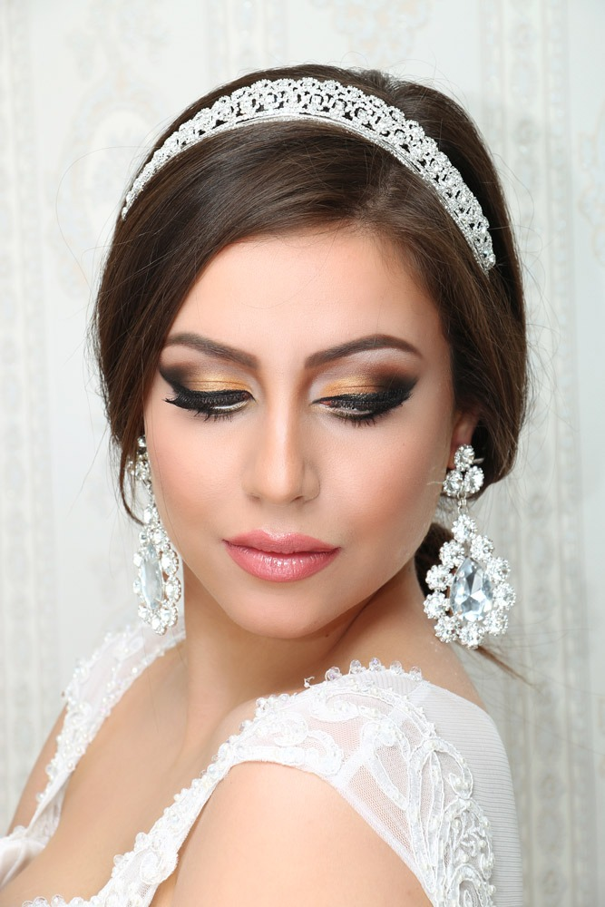 Bold-Wedding-Makeup-Bronze