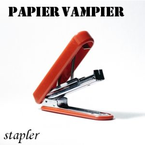 Papier vampier - paper vampire - stapler. Fun example of literal translations