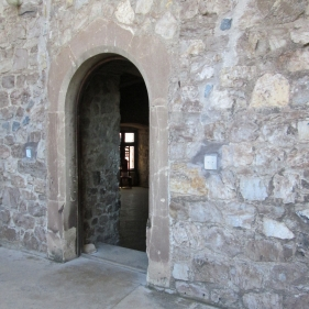 Corvin Castle, Kinda Historical Doors, Well Courtyard stone door