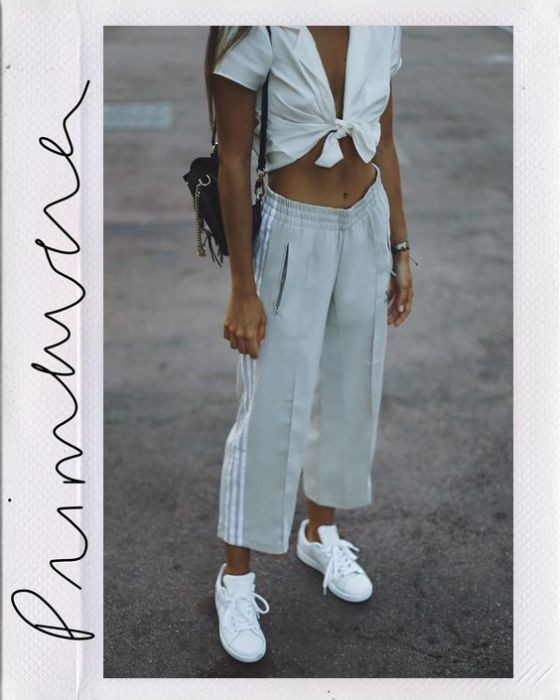 90's Vibes are Back | All White Flowers | Fashion & Lifestyle Blog by Lauren Parker