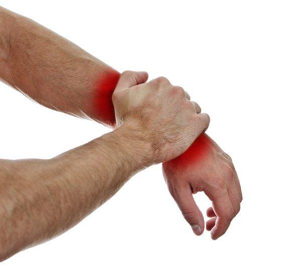 Болит участок кожи при прикосновении. Болезненность кожи при прикосновении на бедре: возможные причины и лечение