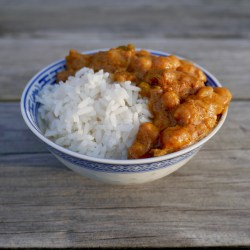 cashew-chicken-chickpea-curry-over-rice
